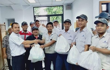 34th Birthday, PT BMC Shares Food Packages And Donates To Orphans